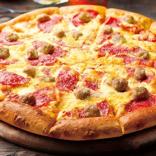熟成サラミとサルシッチャのピザ